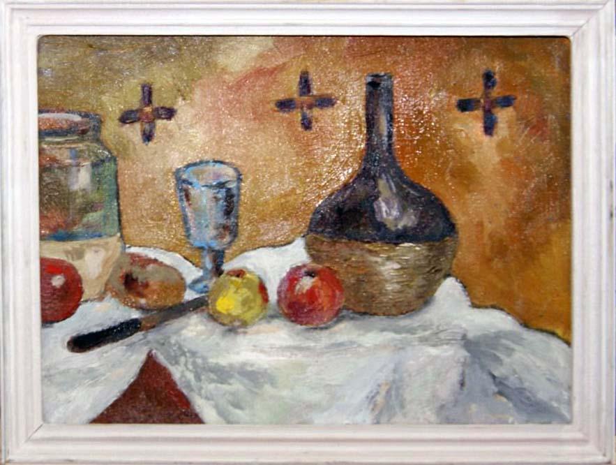 Буртель, стакан и фрукты